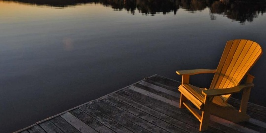 LIVING SUCCESS 3D---Muskoka-Chair-On-Dock
